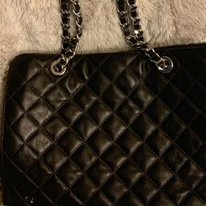 Authentic Michael Kors Lambskin leather tote.